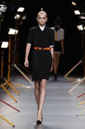 Sobrio conjunto de David Delfín en Cibeles Madrid Fashion Week