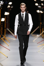 Modelo masculino de David Delfín para la primavera-verano 2011