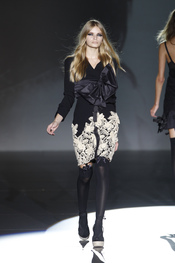 Sofisticación en la mujer 2011 de Roberto Verino
