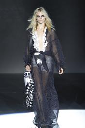 Camisola transparente colección primavera-verano 2011 de Roberto Verino