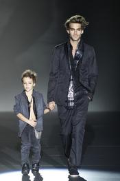 Diseño de Roberto Verino primavera-verano 2011 para los más pequeños