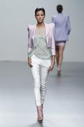 Colores malva en la colección primavera-verano 2011 de Miriam Ocariz