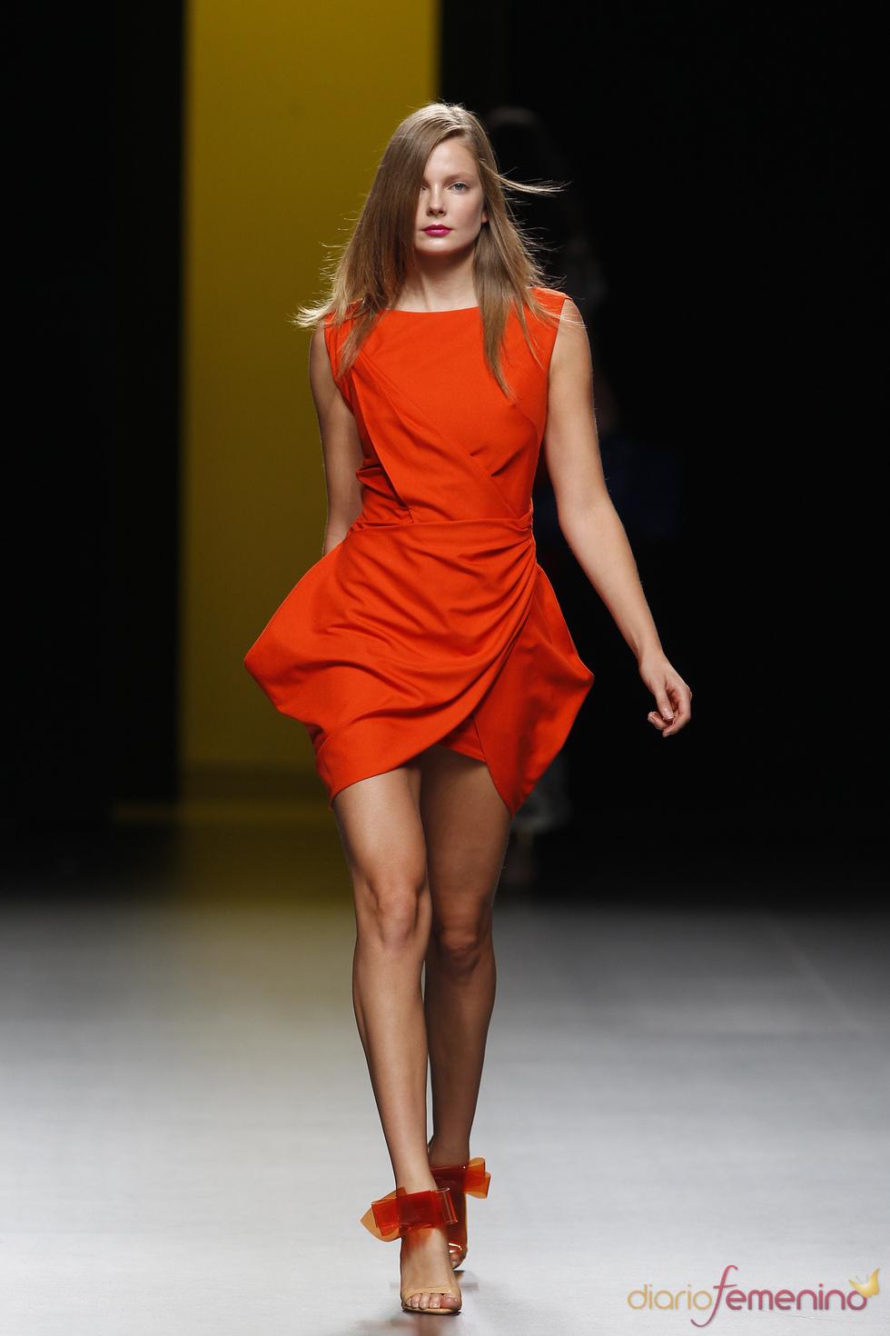 Vestido de fiesta de la colección primavera-verano 2011 de Juanjo Oliva