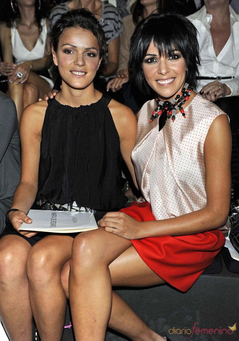 Raquel del Rosario y su hermana Marta en la Pasarela Cibeles