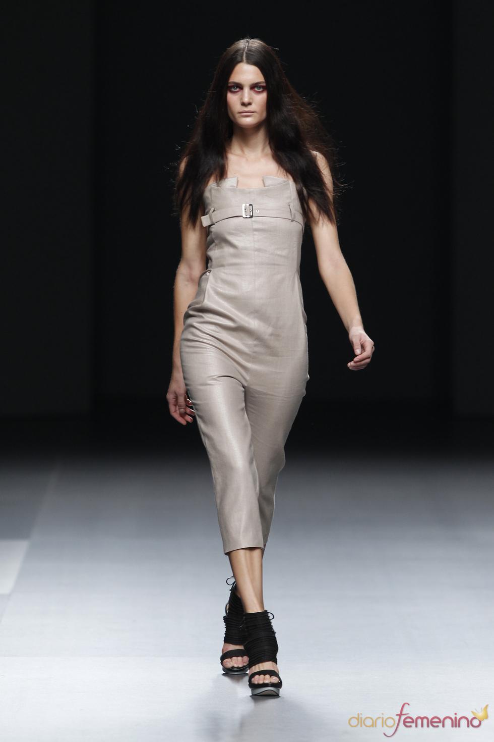 Conjunto primaveral de Amaya Arzuaga para el 2011