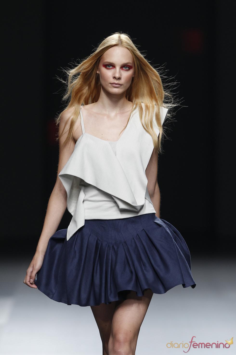 Amaya Arzuaga viste a la mujer con un estilo desenfadado para 2011
