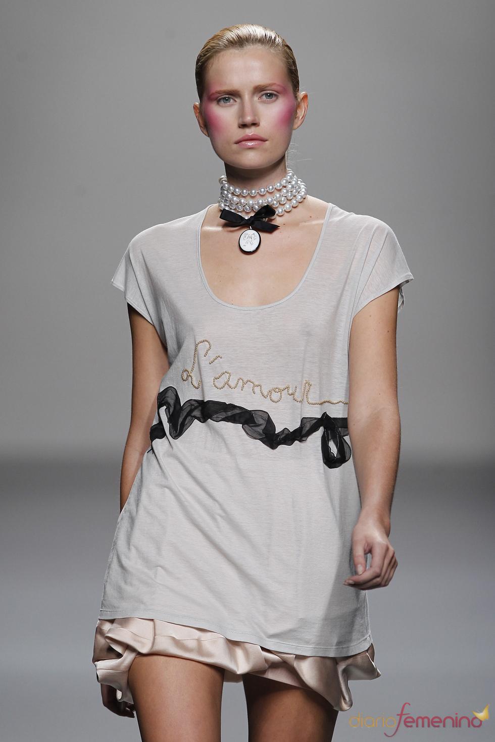 Lydia Delgado presenta su colección primavera-verano 2011 en Cibeless