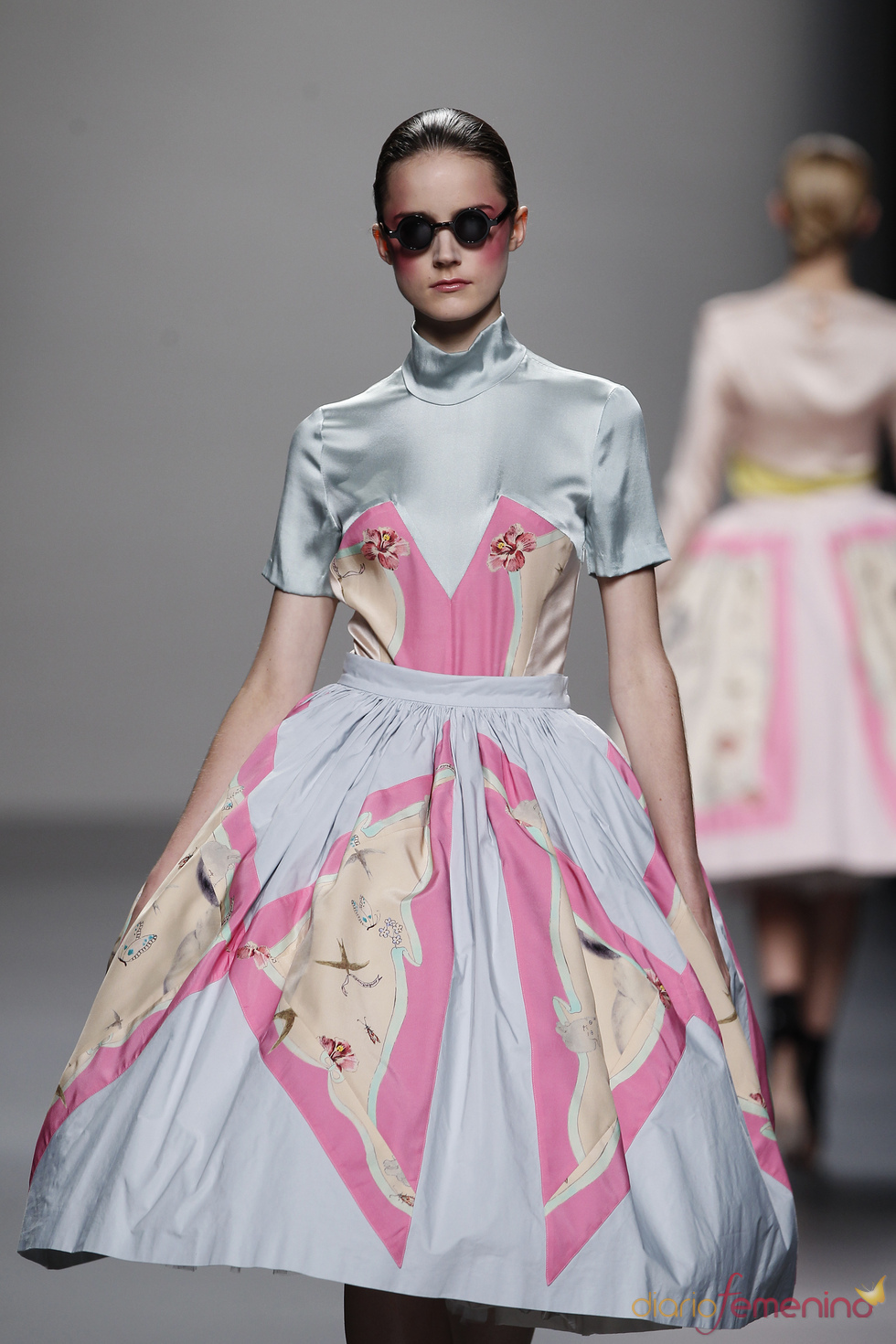 Vestido con vuelo desenfadado para primavera-verano 2011 de Lydia Delgado