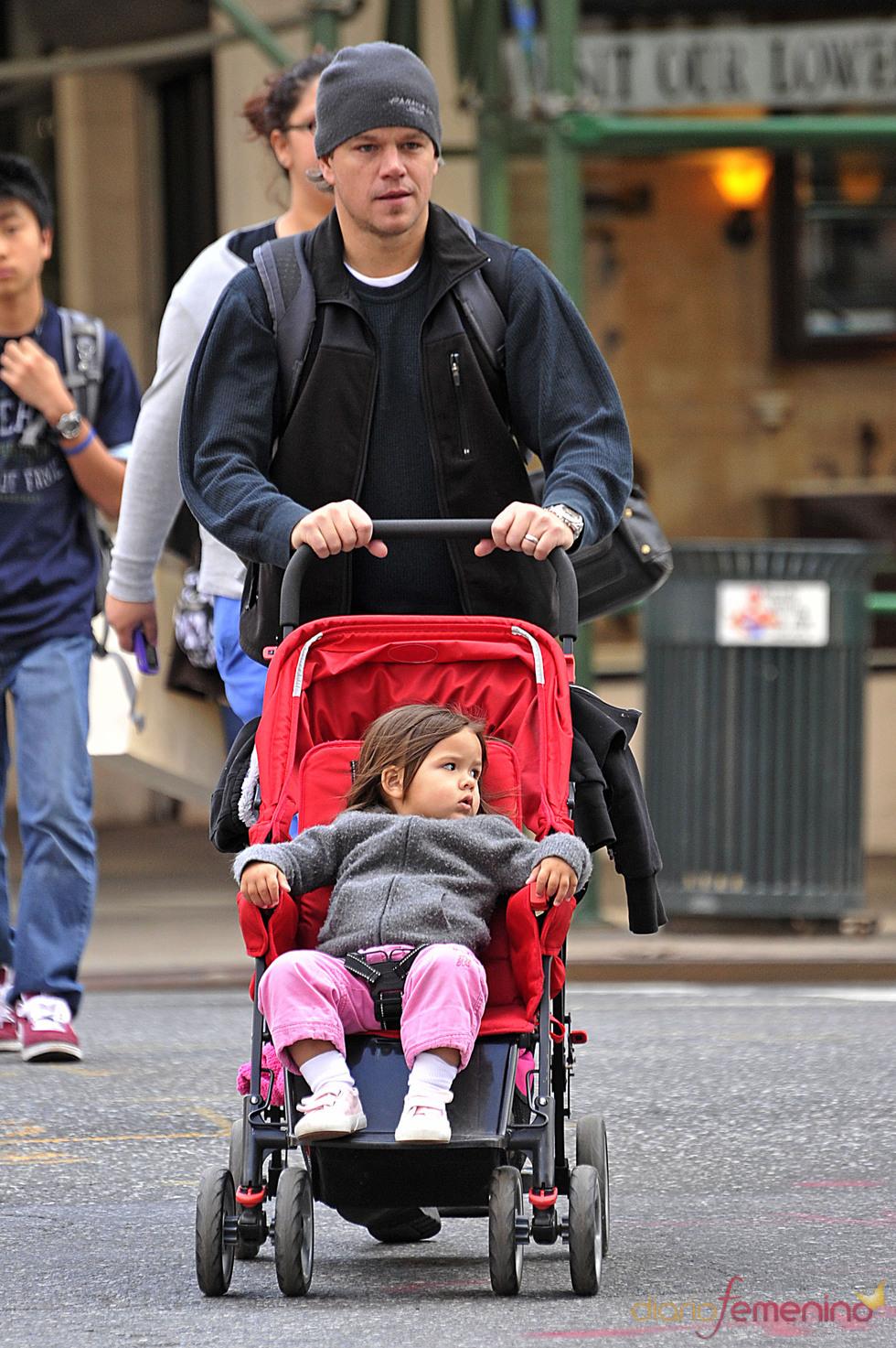 Matt Damon con su hija Gia Zavala