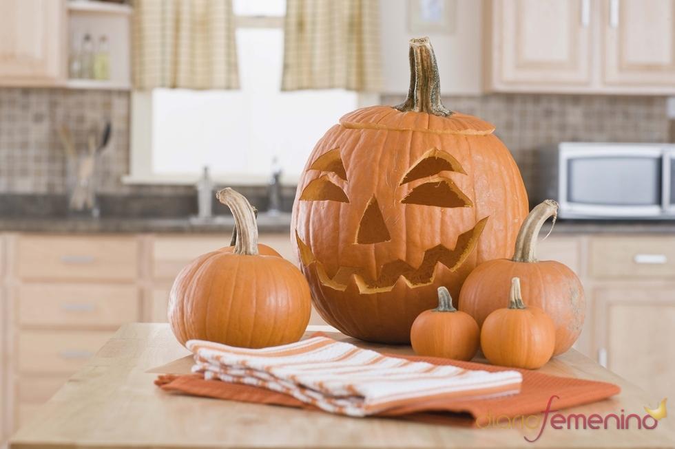 Calabazas de Halloween en la cocina