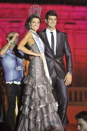 La nueva Miss España posa con su homólogo masculino