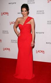 Kim Kardashian con vestido rojo