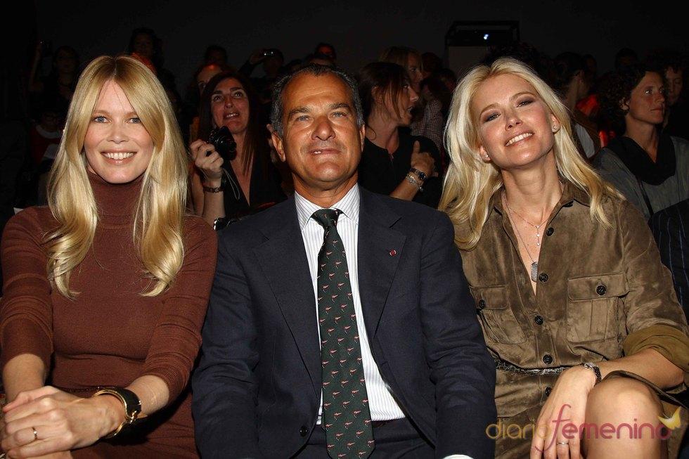 Claudia Schiffer, Leonardo Ferragamo y Valeria Mazza en Milán 2011