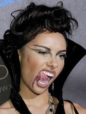 La cantante Katerina Graham muy terrorífica en halloween