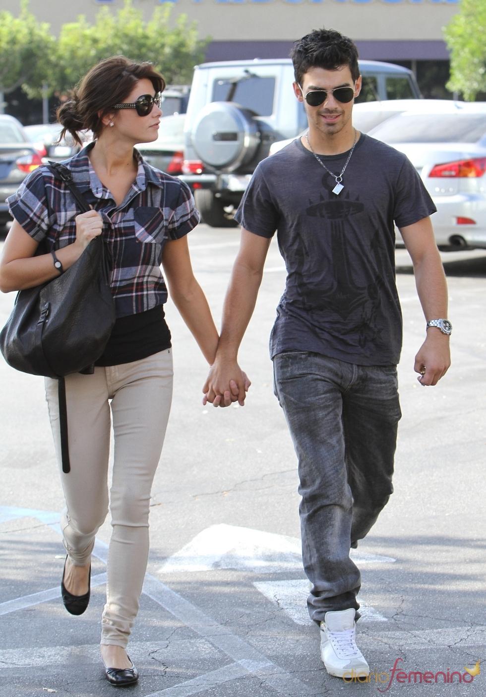 Joe Jonas y Ashley Greene, amor en Los Ángeles