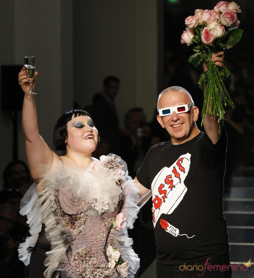 Beth Ditto desfila con Jean-Paul Gaultier