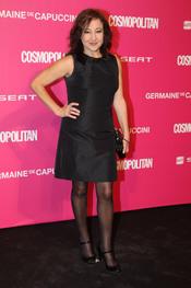 Carmen Machi entrega un galardón en los Premios Cosmopolitan 2010