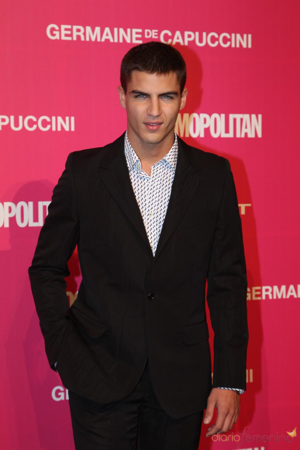 Maxi Iglesias, mejor actor de tv en los Premios Cosmopolitan 2010