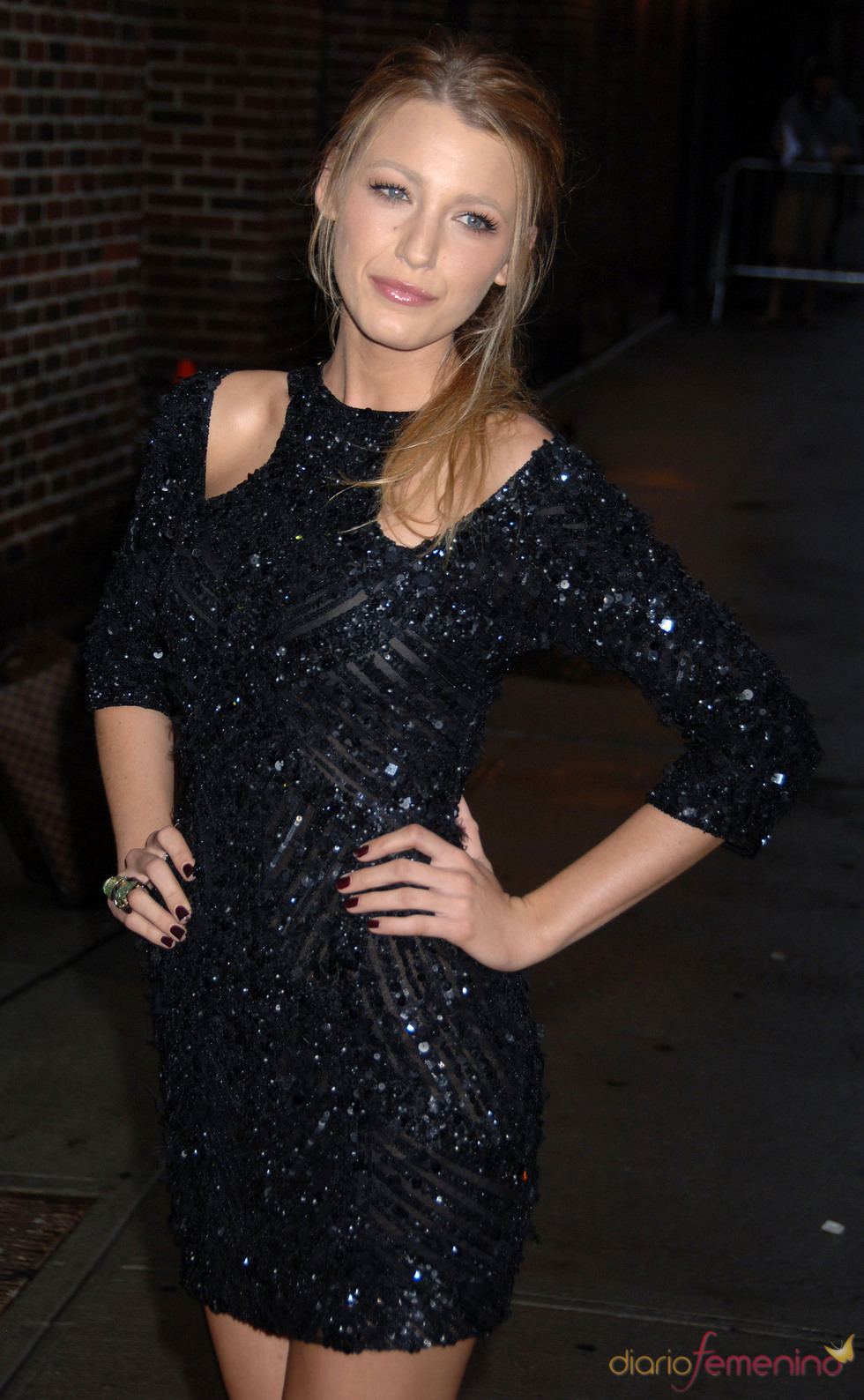Un little black dress para Blake Lively