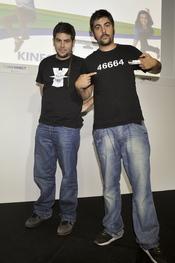 Estopa en la presentación del videojuego Kinect