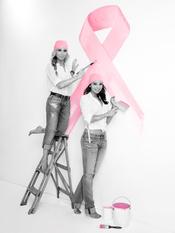 Marta Sánchez y Chenoa, unidas con el cáncer de mama