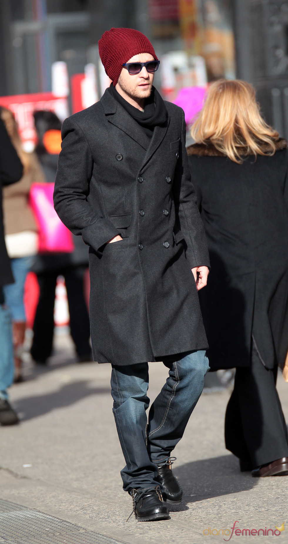 Justin Timberlake con un look muy moderno