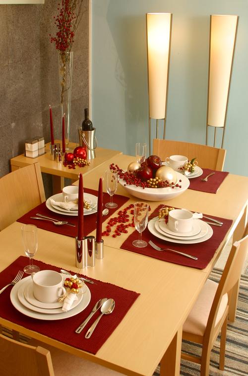 Mesa de navidad minimalista decoraci n de mesas navide as for Decoracion de mesa navidena