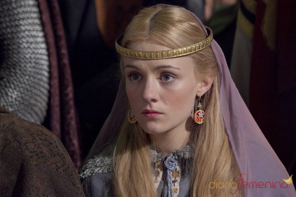 Skye Lourie es Elizabeth en 'Los pilares de la Tierra'