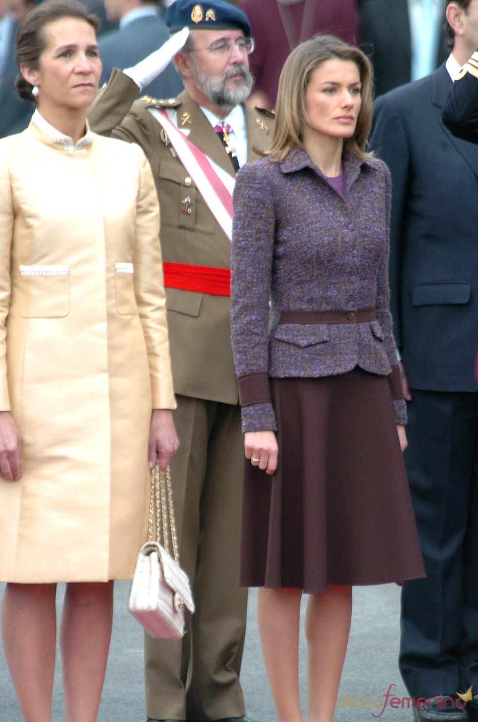 Letizia con look morado