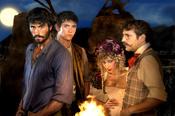 Alex García y otros personajes de 'Tierra de Lobos'