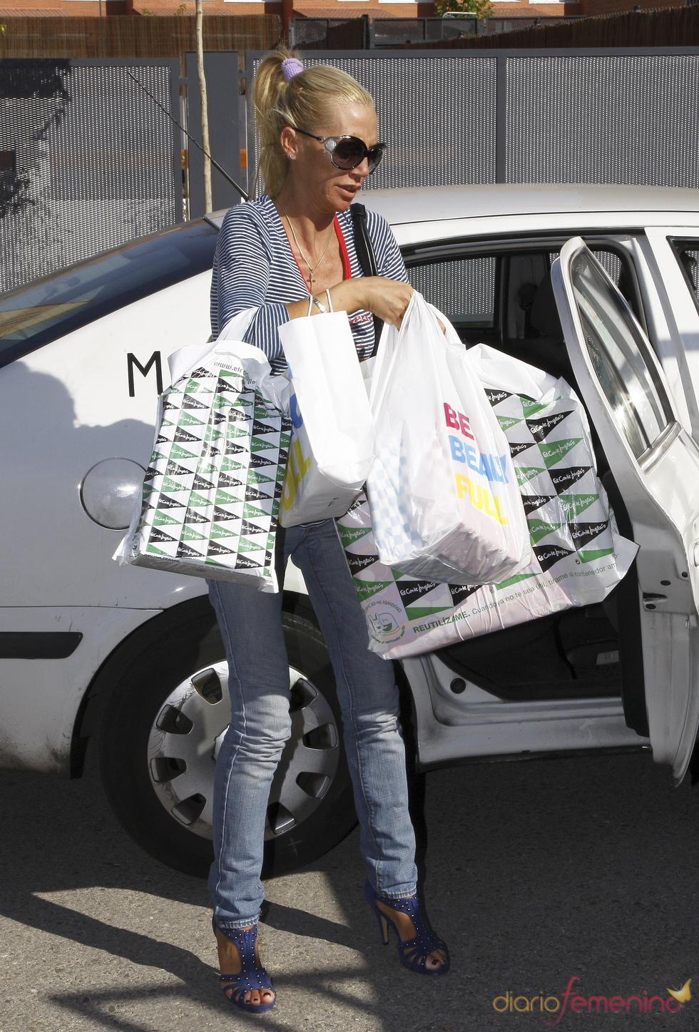 Belén Esteban se va de compras a 'El Corte Inglés'