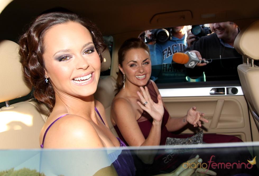 Shaila Dúrcal y Carmen Morales radiantes en la boda de su hermano Antonio