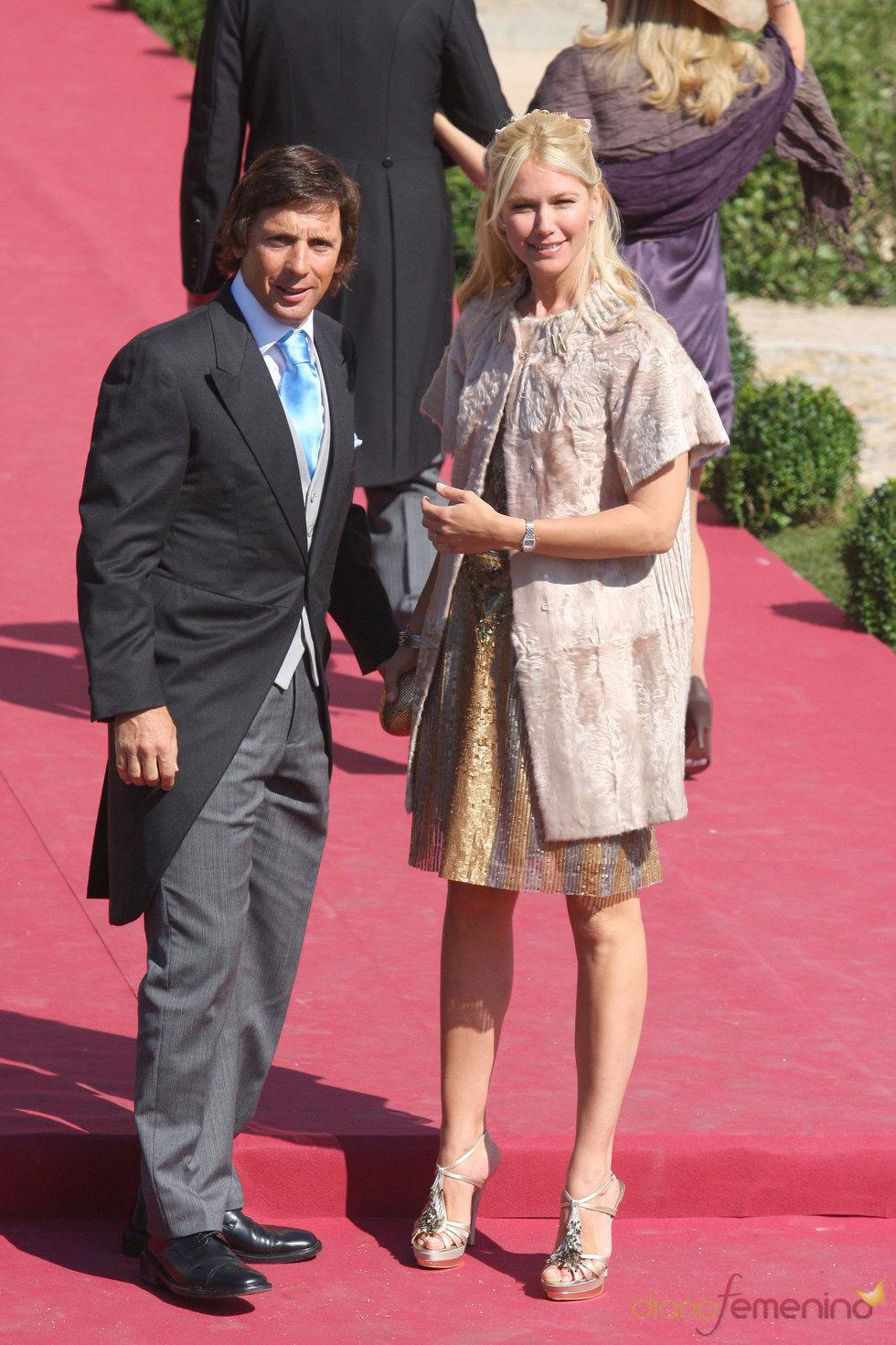 Valeria Mazza y Alejandro Gravier en la boda de Rafael Medina y Laura Vecino