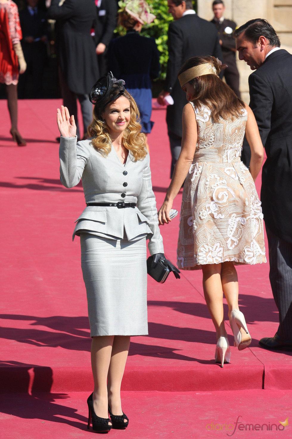 Genoveva Casanova en la boda de Rafael Medina y Laura Vecino