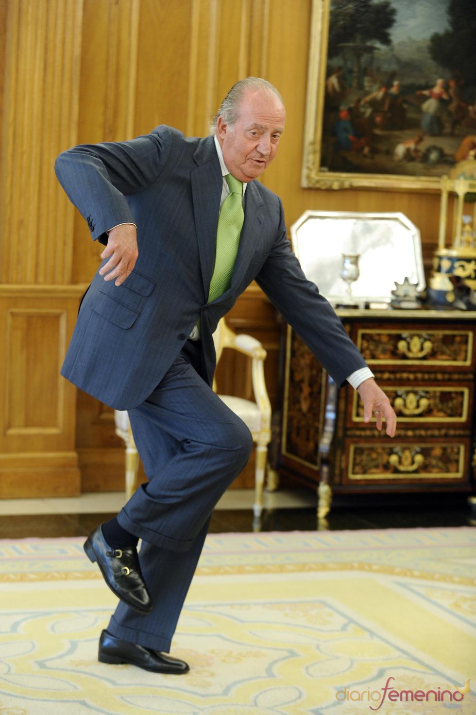 Tropiezo de Don Juan Carlos en la Zarzuela