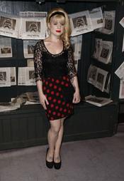 Kelly Osbourne posando en los Scream Awards
