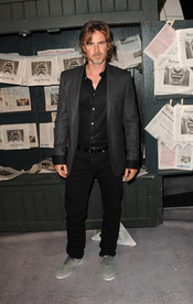 Sam Trammell, de 'True Blood', a su llegada a los premios Scream 2010
