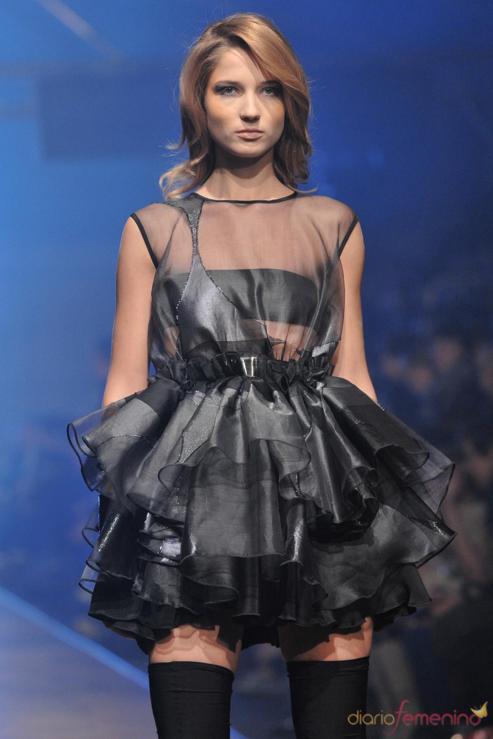 Vestido negro de Paprocki y Brzozowski, Poland Fashion Week
