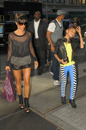 Willow Smith, con look fosforito