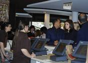 Selena Gomez en el McDonald's