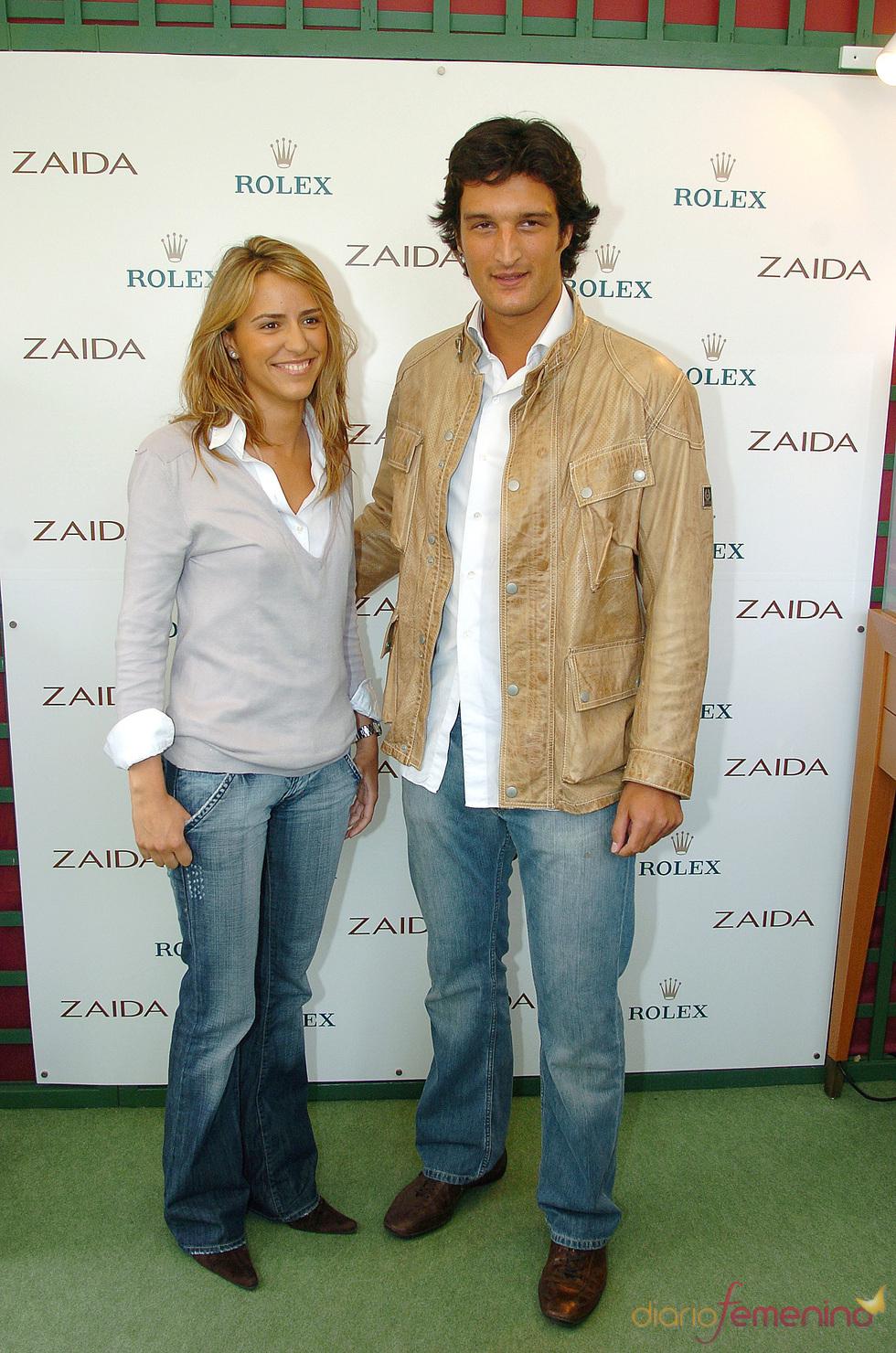Rafael Medina y Laura Vecino con look informal