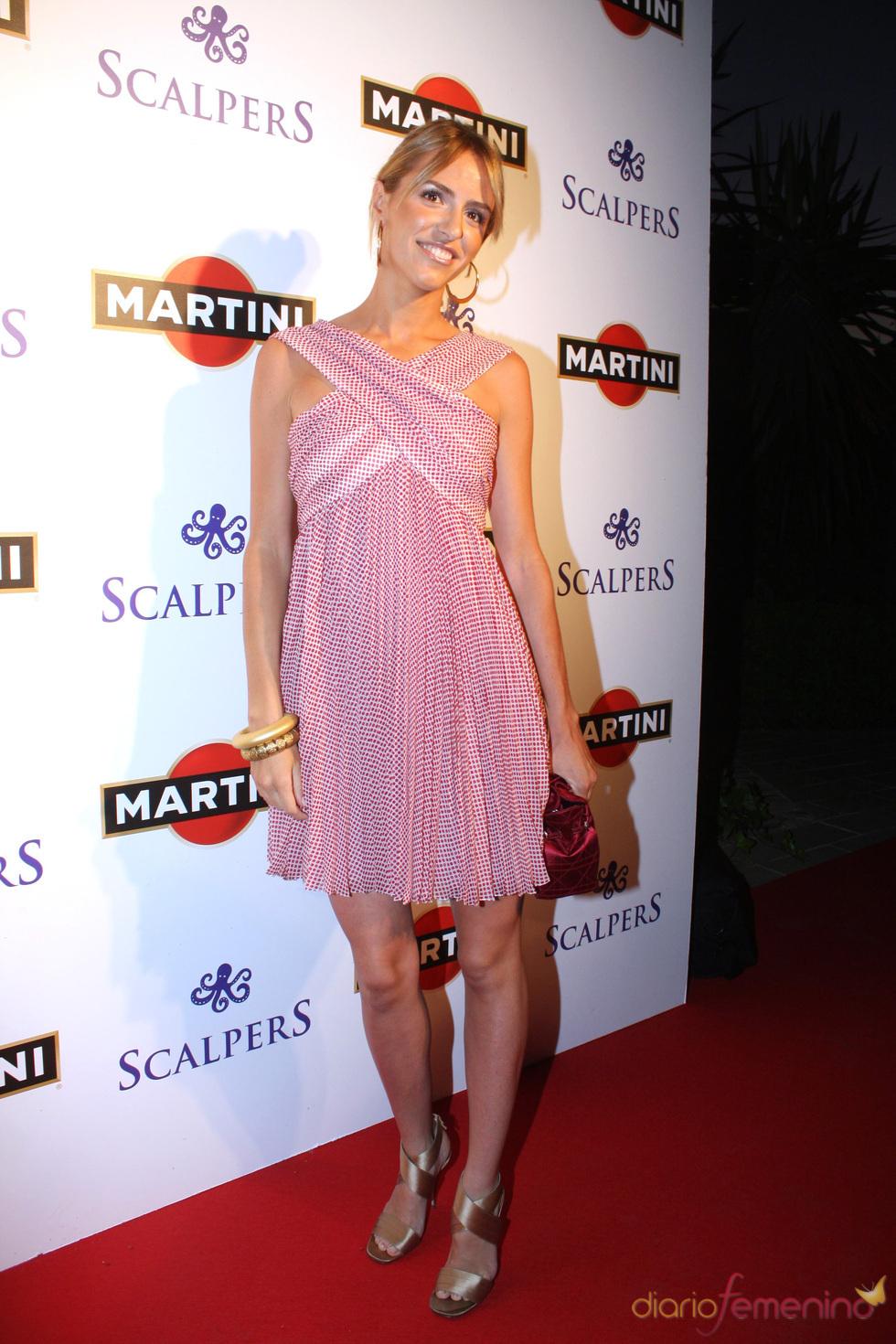 Laura Vecino, con look rosa