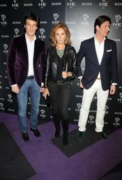 Rafa Medina con su madre, Nati Abascal y su heramano Luis
