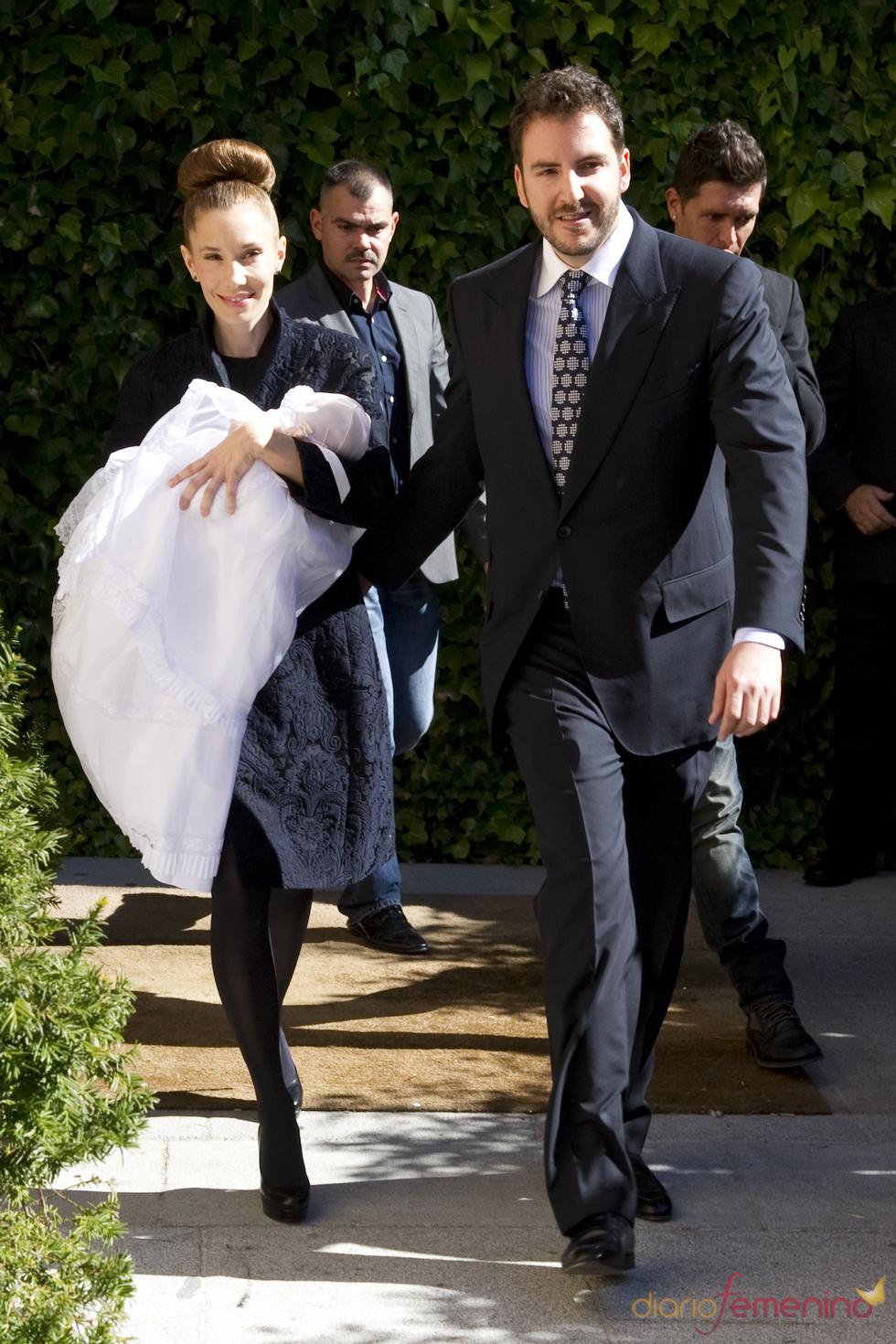 Borja Thyssen y Blanca Cuesta bautizan a Eric