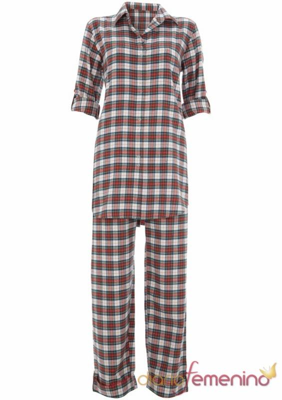 Pijama de cuadros navideños de TopShop