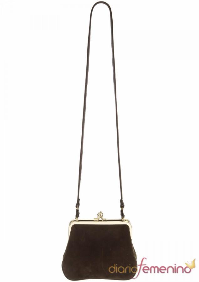 Bolso marrón con cadena de TopShop
