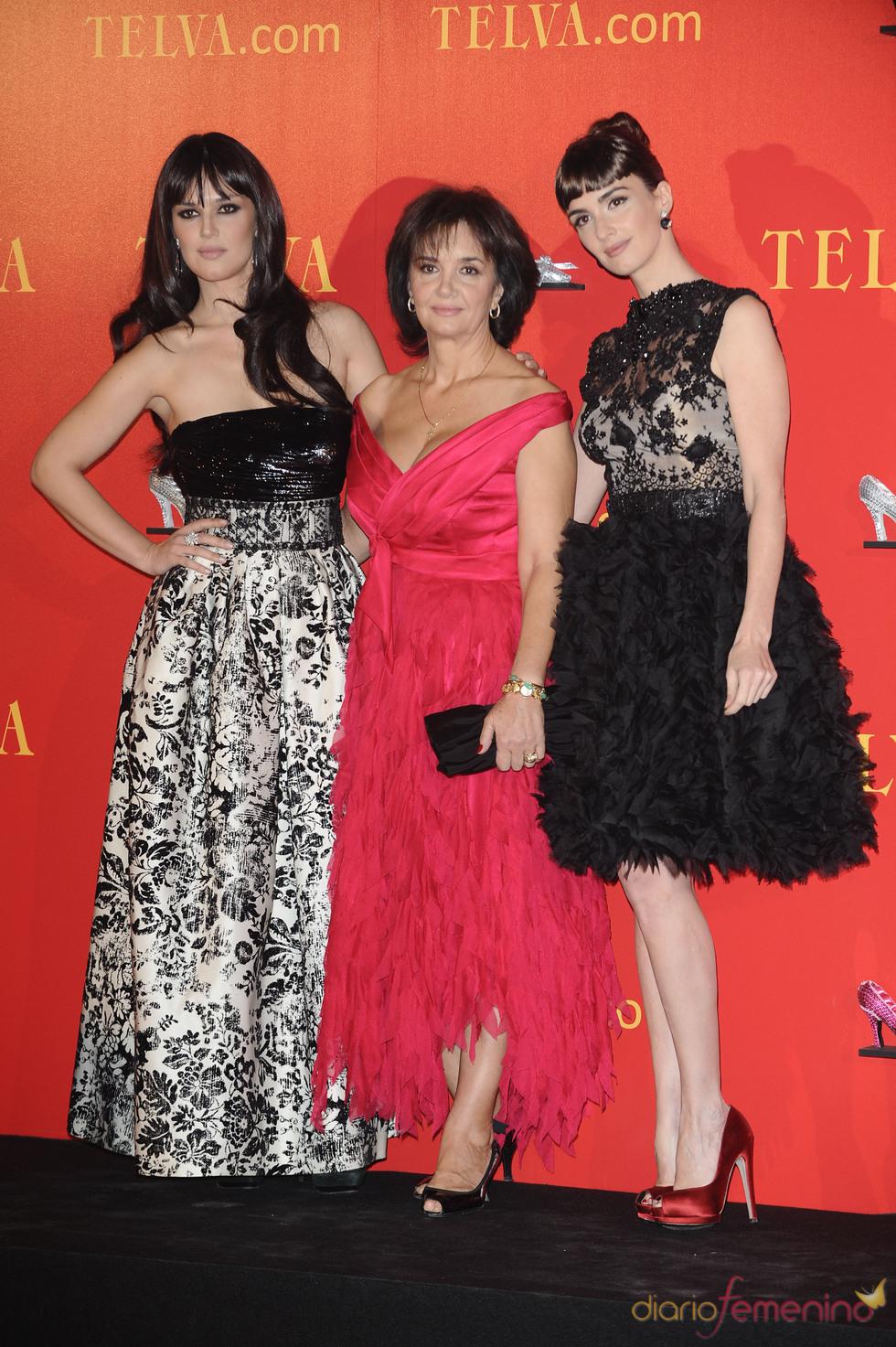 Paz Vega, con su hermana y su madre