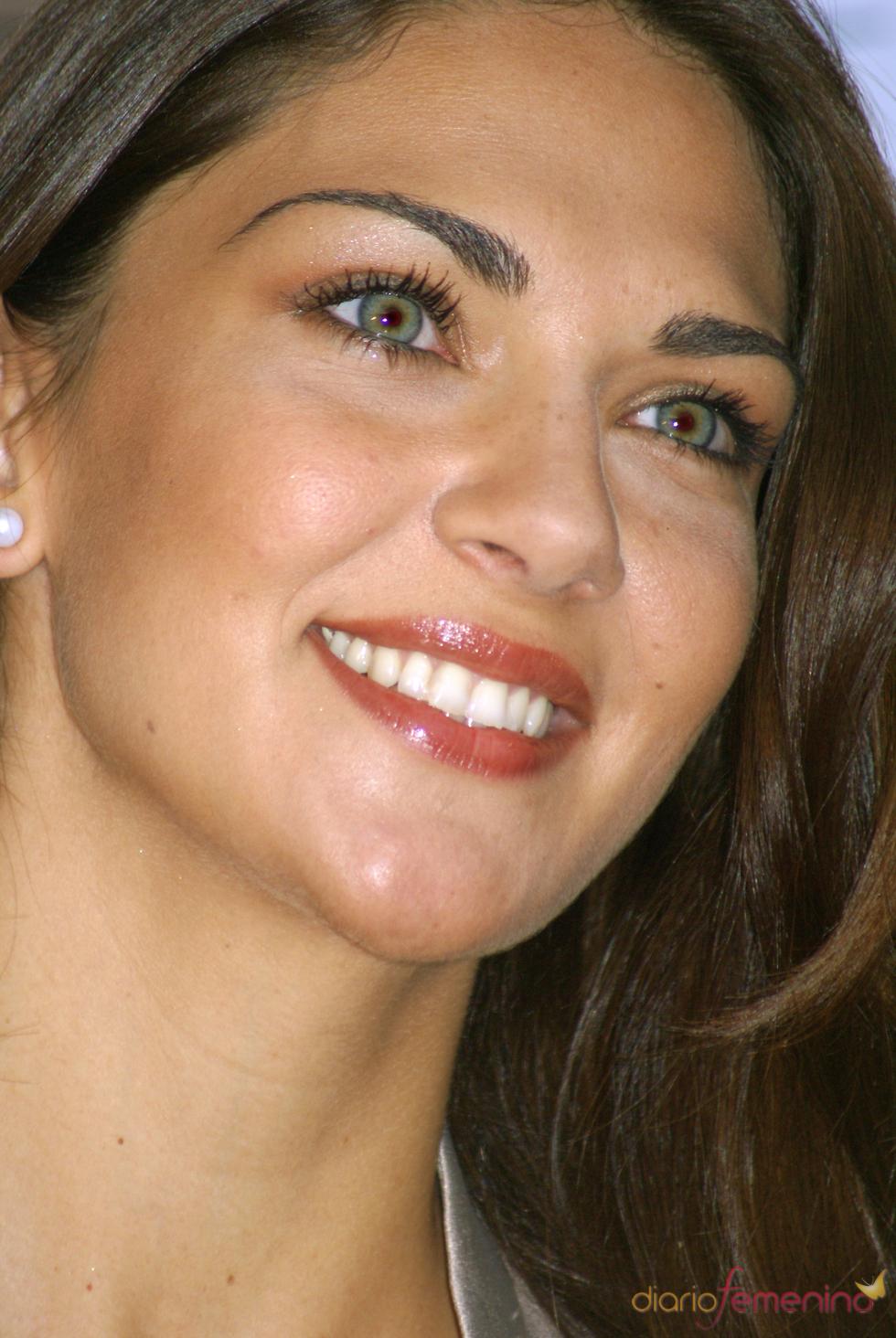 Lorena Bernal, radiante durante la presentación
