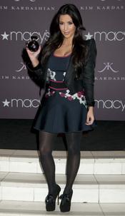 Kim Kardashian lanza su perfume