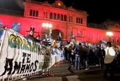 Una multitud despide los restos del ex presidente argentino Néstor Kirchner